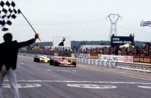 Rene Arnoux (FR), Equipe Renault Elf RS12, chases Gilles Villeneuve (CDN), Scuderia Ferrari SpA SEFAC 312T4, right down to the finish line in a close battle for 2nd and 3rd position. French Grand Prix, 01/07/1979, Dijon, France.