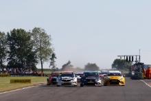 Start of race 3, Dan Lloyd (GBR) BTC Norlin Honda Civic   leads