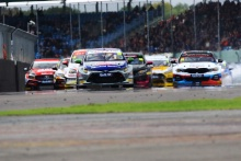 Start, Tom Ingram (GBR) Speedworks Motorsport Toyota Corolla leads
