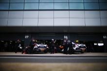 Halfords Yuasa Racing Honda Civic Type R