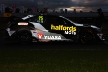 Matt Neal (GBR) Halfords Yuasa Racing Honda Civic Type R