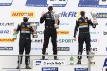 Daniel Rowbottom (GBR) - Team Dynamics Honda Civic Type R, Tom Oliphant (GBR) - Team BMW BMW 330i M Sport  and Gordon Shedden (GBR) - Team Dynamics Honda Civic Type R