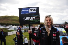 Chris Smiley (GBR) - Excelr8 Trade Price Cars Hyundai i30 Fastback N Performance Grid Girls