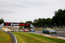 Race start, Oliver Wilkinson / Bradley Ellis Optimum Motorsport Aston Martin V8 Vantage GT3 leads