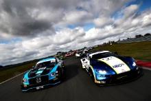 Nick Jones / Scott Malvern - Team Parker Racing Bentley Continental GT3, Ahmad Al Harthy / Jonny Adam - TF Sport Aston Martin Vantage AMR GT3
