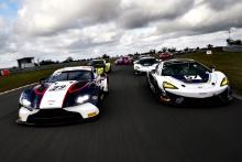 Ross Gunn / Jack Mitchell - Beechdean AMR Aston Martin Vantage AMR GT3, Chris Wesemael / Gus Bowers - HHC Motorsport McLaren 570S GT4
