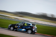 Louis Doyle (GBR) Renault Clio Cup Junior and Gustav Burton (GBR) Team Pyro Renault Clio Cup Junior