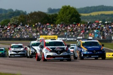 Start of Race 1 Max Coates (GBR) Team Pyro Renault Clio Cup leads
