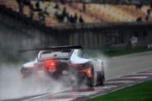 #86 Gulf Racing Porsche 911 RSR: M.Wainwright, B.Barker, T.Preining