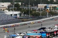Race Start Jordan Taylor, Renger Van Der Zande, Ryan Hunter-Reay, Konica Minolta Cadillac DPi-V.R, Cadillac Dpi lead