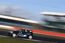 Louis Doyle (GBR) Renault Clio Junior