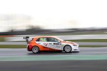 Lewis Kent (GBR) Hyundai TCR