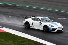 In2Racing Porsche Cayman