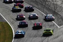 Start of the race, Oliver Jarvis / Tristan Nunez / Olivier Pla - Mazda Team Joest Mazda DPi leads