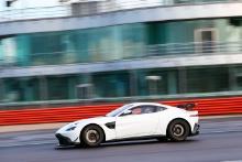 Niko Gomar (FRA) - Aston Martin GT4