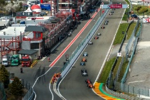 Start of Race 1 - Daniel Macia (ESP) Formula de Campeones leads