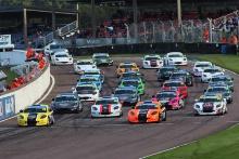 Start of the race Will Jenkins - Elite Motorsport Ginetta Junior leads