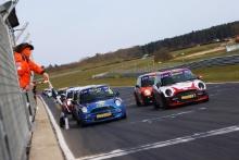 Lee Pearce - Graves Motorsport MINI - Harry Nunn - AReeve Motorsport MINI