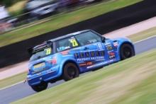 Lee Pearce - Graves Motorsport Mini Trophy