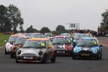 Start of the race - Matthew Hammond - EXCELR8 Motorsport MINI