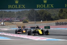 23.06.2019 - Race, Pierre Gasly (FRA) Red Bull Racing RB15 and Daniel Ricciardo (AUS) Renault Sport F1 Team RS19