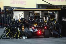 13.10.2019- Race, Daniel Ricciardo (AUS) Renault Sport F1 Team RS19 during pit stop